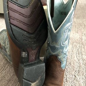 Ariat Shoes - Ariat Round Up Boots